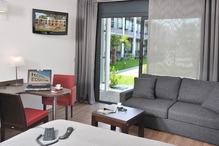 Chambre avec kitchenette et terrasse dans Hôtel 3*