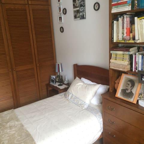 Cozy bedroom Águas Livres/Buraca/Amadora