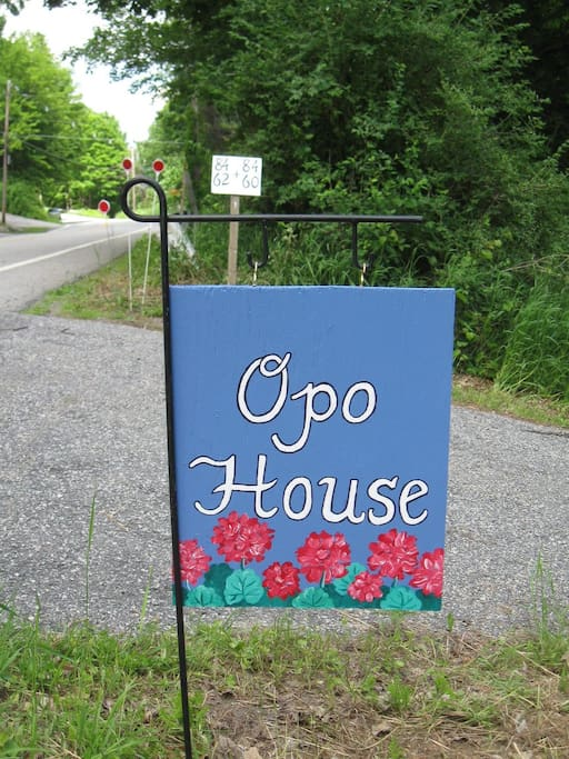 Wecome! Look for this sign when you come.