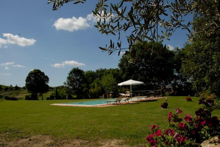 Farmhouse with pool (Rosmarino)