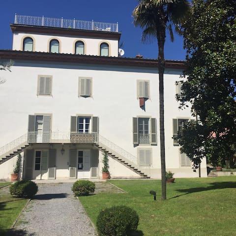 Luxury apart. Lucca's Villa Tuscany - Saltocchio - Leilighet