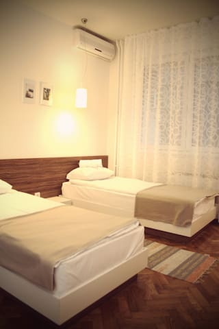 Main Street Apartments Nis  Ap2 - Niš - Appartement