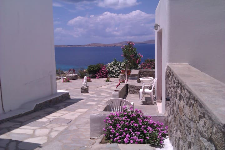 Cheap room for 1 person@Mykonos  - Agios Ioannis Diakoftis