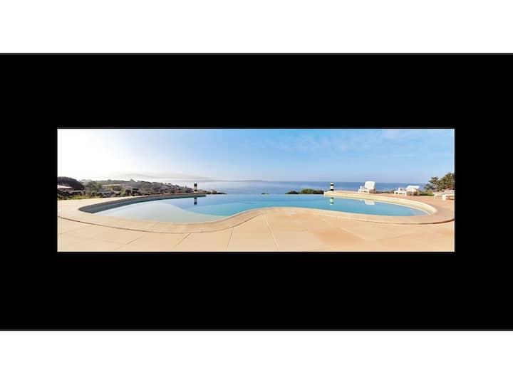 Villa superbe vue mer et piscine, proche plages