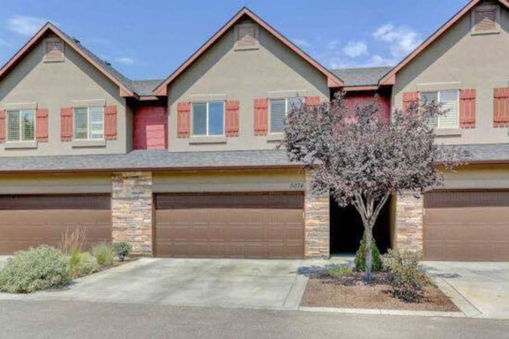 Garden City 3 Bedroom Townhouse Houses For Rent In Garden City Idaho United States