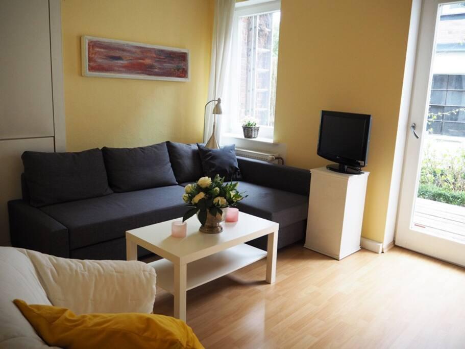 wohnen im fachwerkhaus mit terrasse flats for rent in. Black Bedroom Furniture Sets. Home Design Ideas