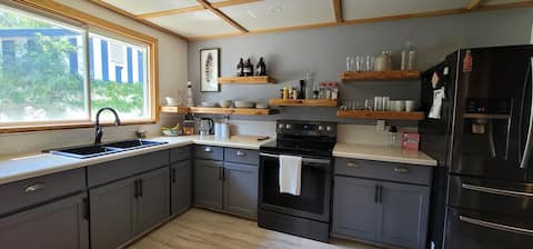 Emerse yourself and family in the middle of the Kootenays in a 3 bedroom cottage style, open concept home. Surrounded by mountains, lakes, rivers, hiking and nature with the comforts of home get lost in it all...