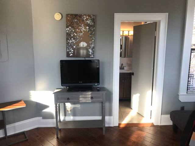 Washington DC Beautiful Studio apartment