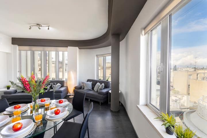 Star Central - Modern Two-Bed Apt on Ledra Street