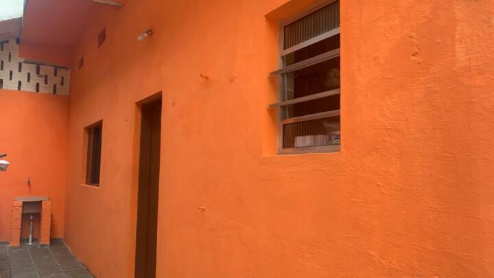 Casa 300  metros da praia -Mongaguá.