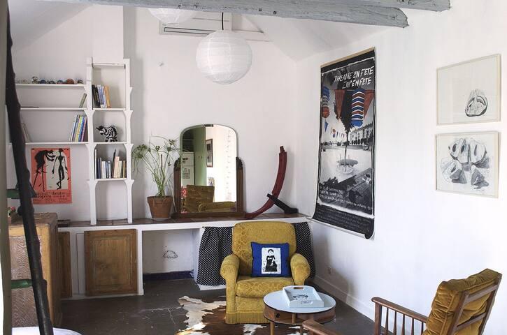 Maison d'artistes à Blois - Blois - Rekkehus