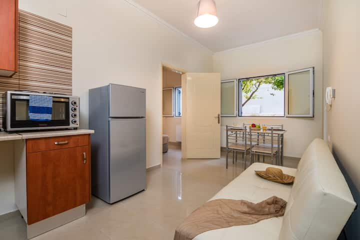 Gerry's Argostoli city center apartment.