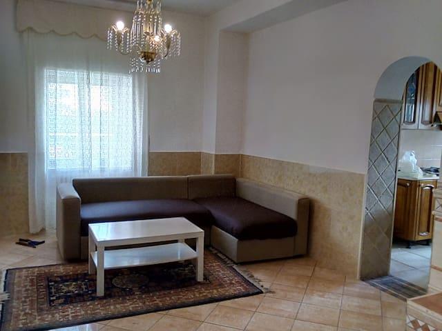 A Casa Di Enrico (Smart TV, wi-fi e posto auto)
