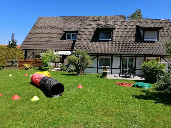 """Ferienwohnung """"Gartenblick"""" auf 2 Etagen"""