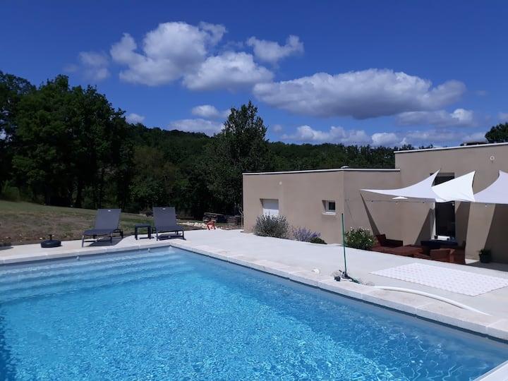 Maison contemporaine avec piscine proche Cahors