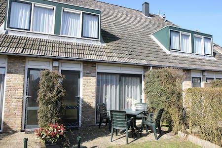Appartementenboerderij De Groede - Terschelling  - アパート