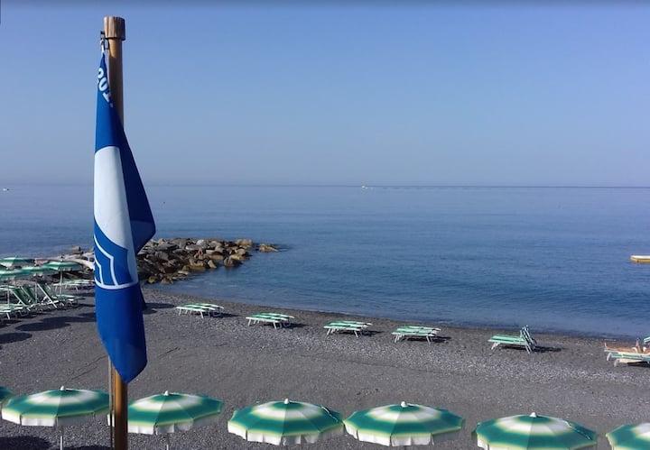 Fabulous apartment (nido dicavi) 100mr by the sea