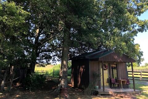Hummingbird Haven Cabin at Kingdom Acres
