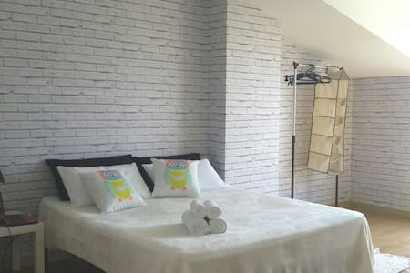 Bedroom with parking - Apartemen