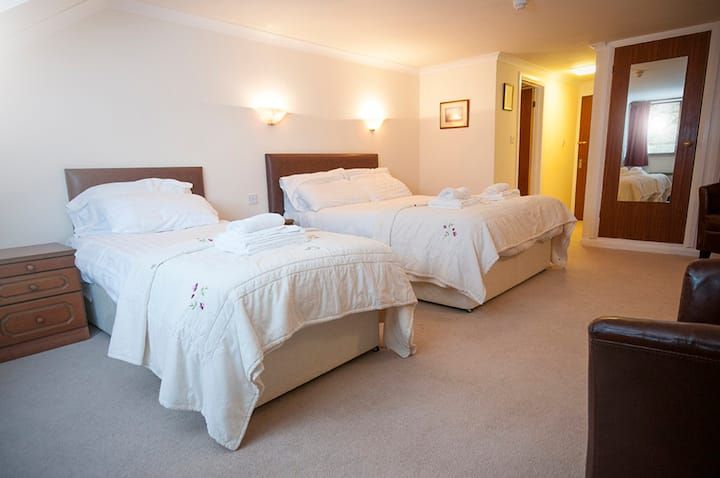 Trewern Arms country inn - triple room