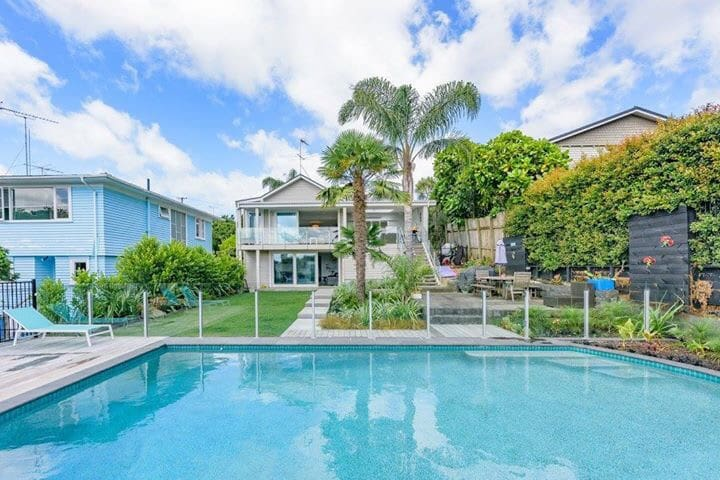 Awesome central location with pool