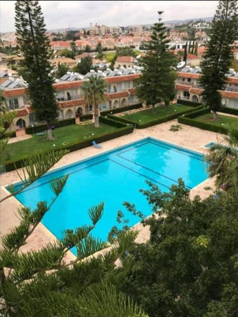 Studio, kompleks palmowy z basenem, tenis, ogród