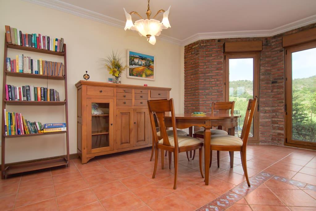 Casa independiente con jard n maisons louer for Casa fernando ciudad jardin