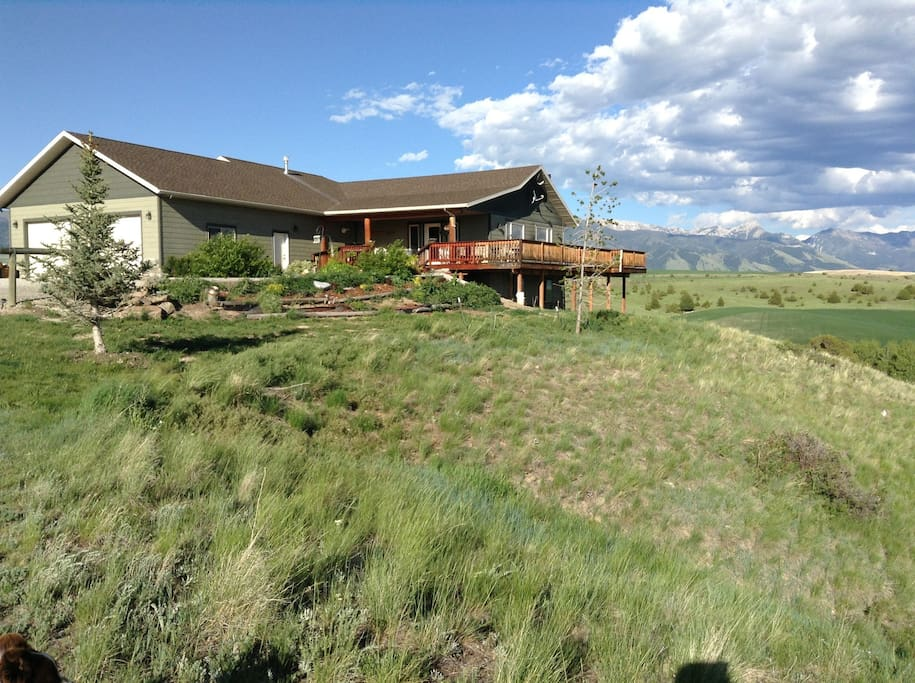 Ranch home..the lower level has a view of the Bridger Mountains and the Gallatin Range.
