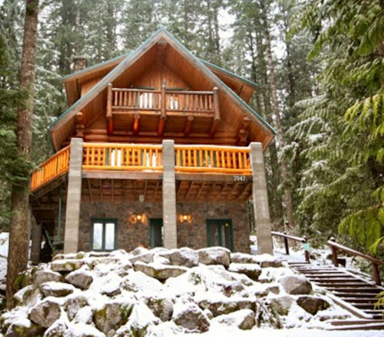 Rustic Skier's Retreat!