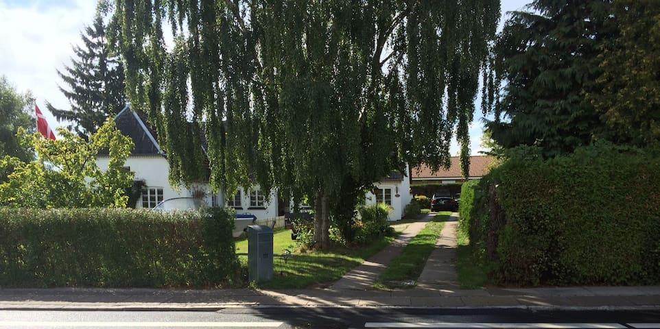 Familiehus ved  by, skov og strand - Svendborg - Casa