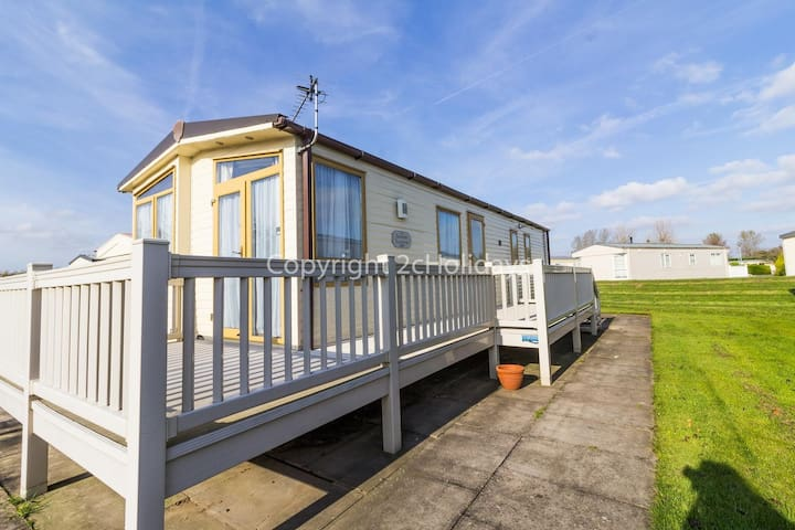 6 berth caravan for hire with decking Southview Holiday park Skegness ref 33183V
