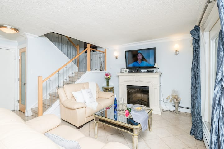 Two Storey Private Suite with Two Bedroom & Yard