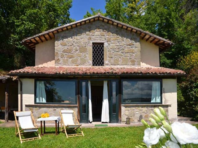 romantic country house for two - Castiglione in Teverina - Villa