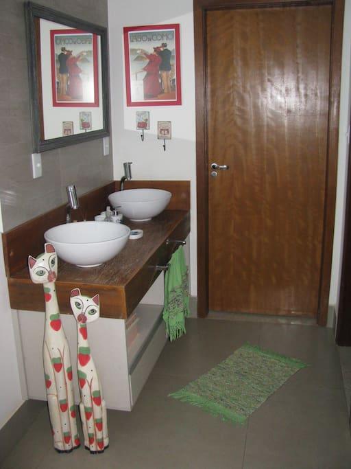 Bancada pias banheiro