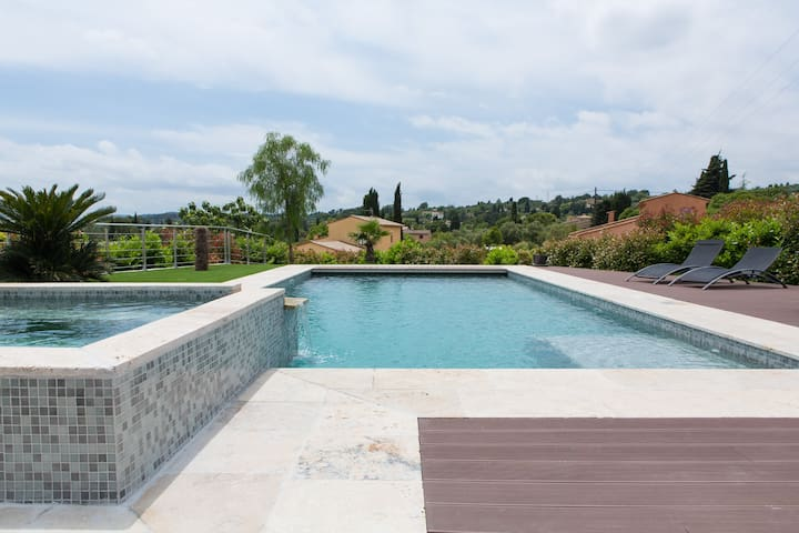 Room in a outbuilding with pool&... - Grasse - Villa