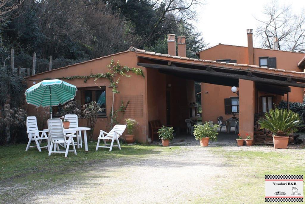 Esterno Nuvolari B&B Umbria