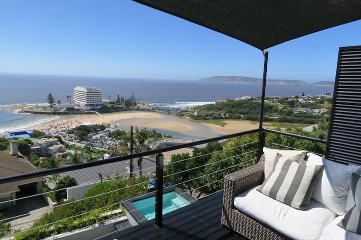 Oyster Beach House - the best views in Plett