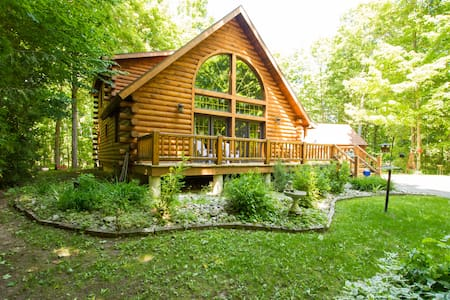Awesome Log Home, Door Co, WI - B&B