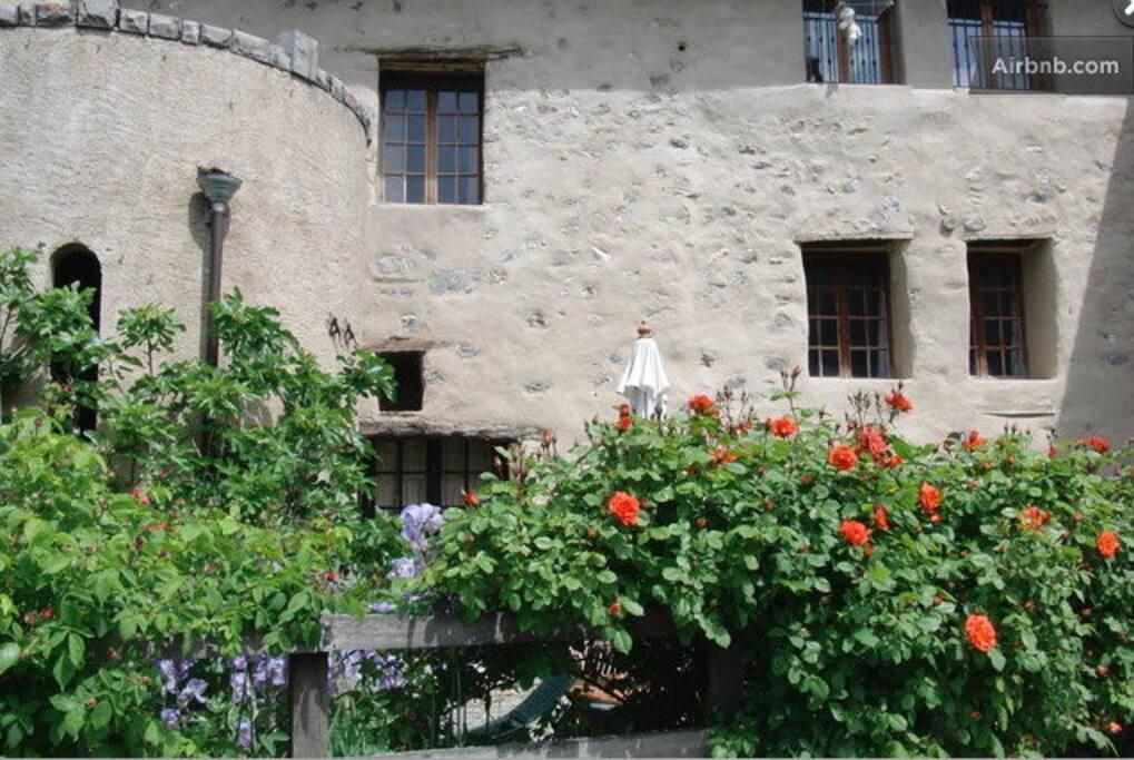 3 bedroom village house avan on h user zur miete in avan on provence alpes c te d 39 azur. Black Bedroom Furniture Sets. Home Design Ideas