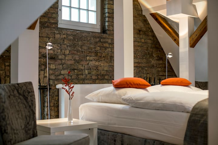 NY Style Loft with a view in Hotel Oderberger