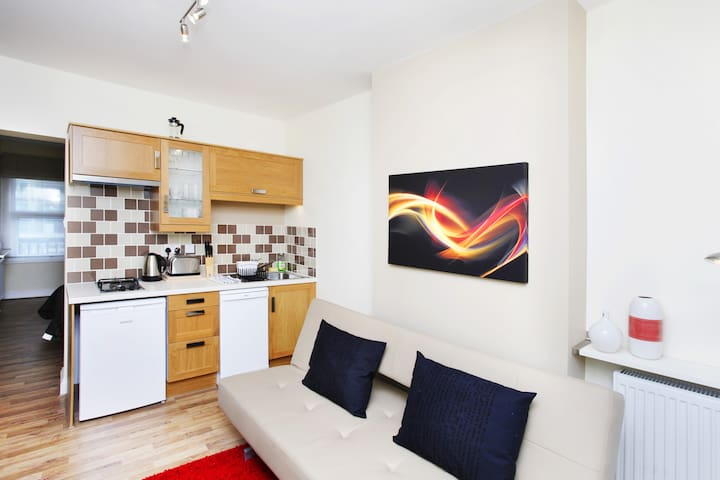 London Luxury Apartment#9 Zone 1 On Promotion