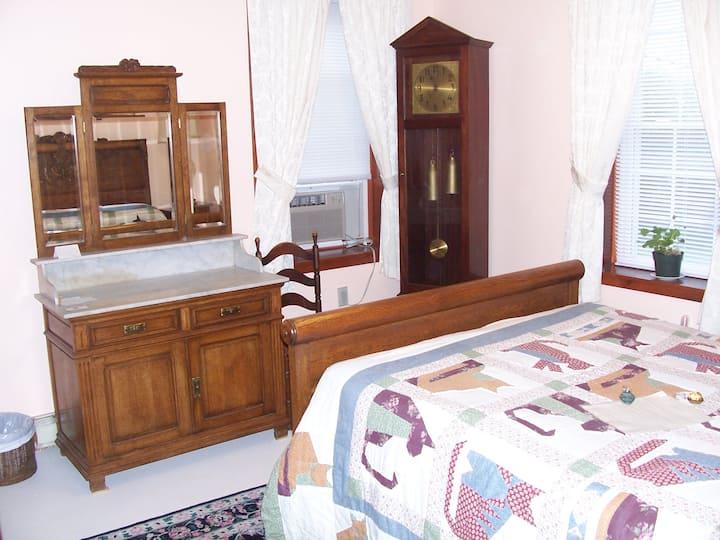 Hampden Room in Historic B&B in Winterport, ME