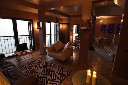 Amazing Oceanfront Villa in Taghazout - Taghazout - วิลล่า