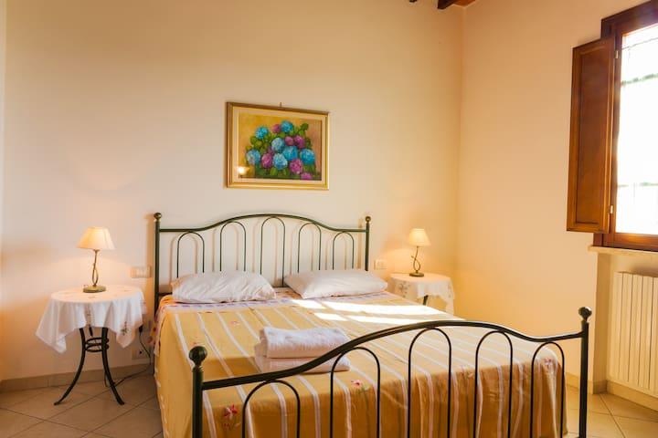 Large Apartment 4 bedrooms w/ Pool, Park, WiFi - Fucecchio - Apartamento