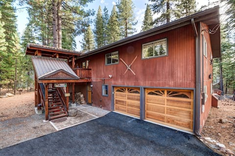 Wah Cabin, Private Hot Tub