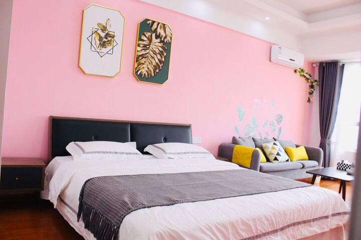 『猪窝·民宿』粉红少女心·宝龙华庭公寓.临近金鹰、八佰伴、香港城,周边应有尽有