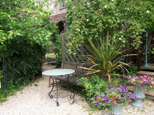 petite maison pleine de charme - Saint-Piat