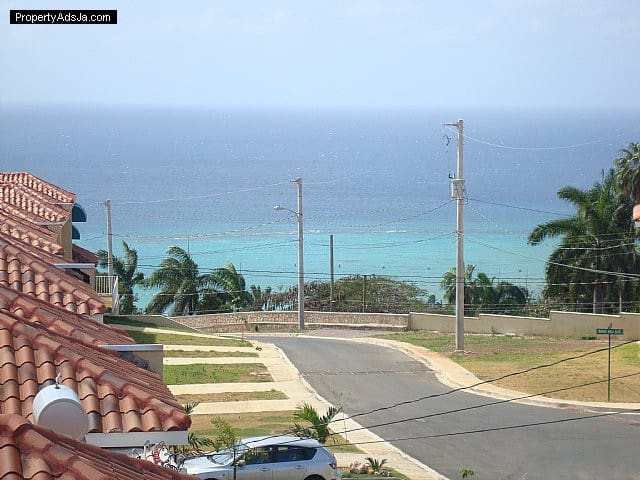 Lovely Home, 5mins From Everything! - Montego Bay - House