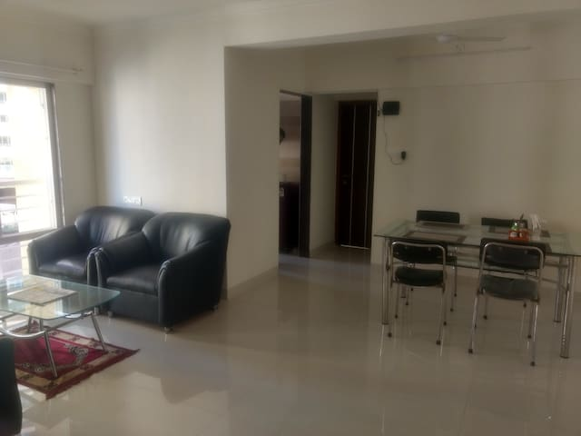 Spacious 2Bedroom Flat in Hiranandani Powai!