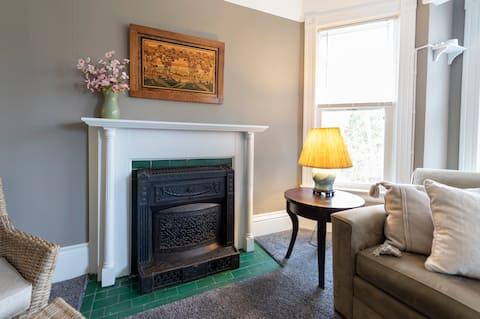 Beautiful 2 Bedroom Apartment in Historic Home